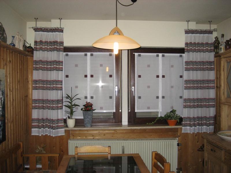 gardinen f r badezimmer verschiedene. Black Bedroom Furniture Sets. Home Design Ideas